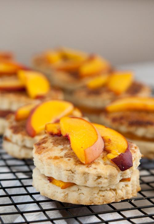 Gluten-Free Peach Cobbler Scones | flavorrd