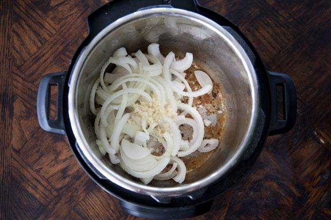 [Instant Pot] Ropa Vieja: Cuban Shredded Beef Stew