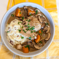 [Instant Pot] Double-Decker Coq Au Vin + Garlic Mashed Potatoes