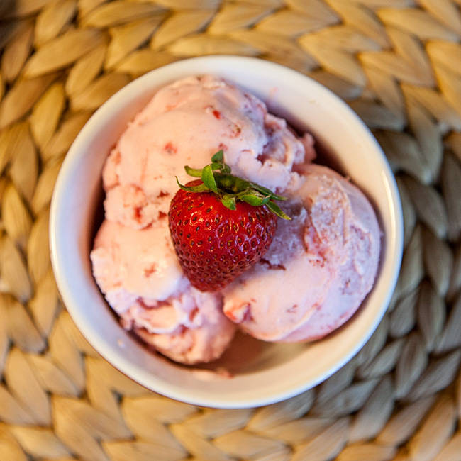 Fresh Strawberry Frozen Greek Yogurt
